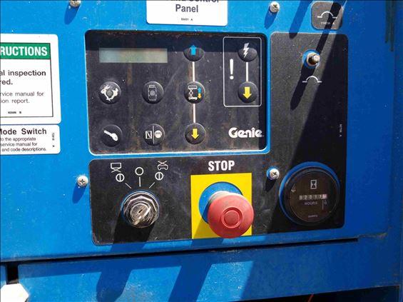 2013 Genie GS-4390 RT Scissor Lift