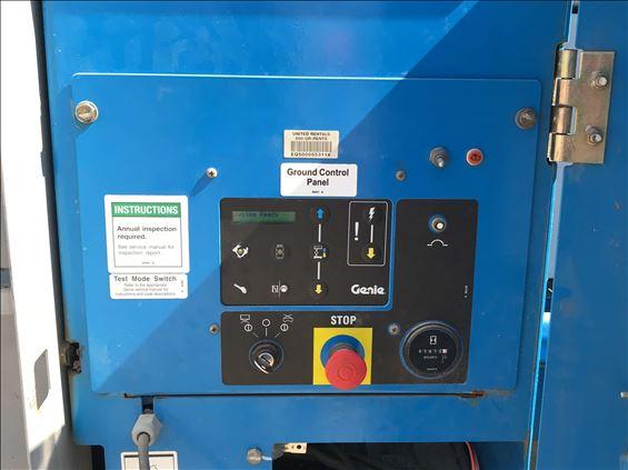 2012 Genie GS-5390 RT Scissor Lift