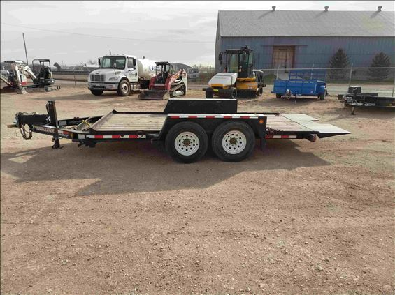 2014 Towmaster T-12DT Trailer