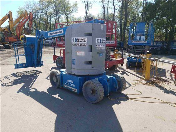 2012 Genie Z-30/20N Boom Lift