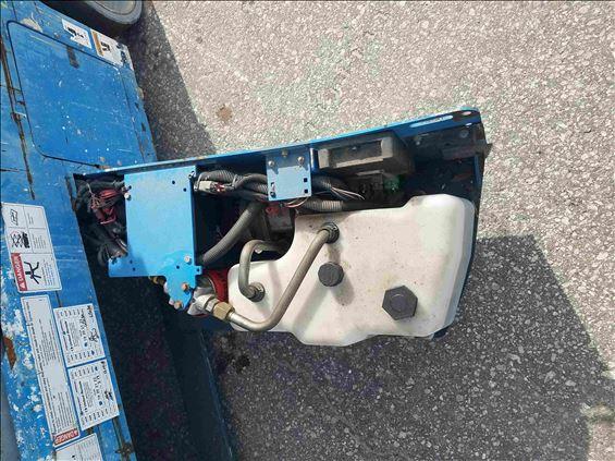 2012 Genie GS-3232 Scissor Lift