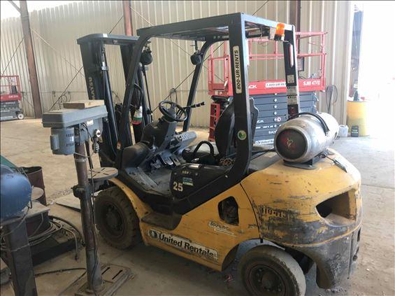 2014 Komatsu FG25T-16 Warehouse Forklift