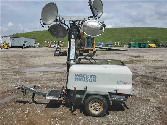 2015 Wacker Neuson LTN6L-VS Towable Light Tower