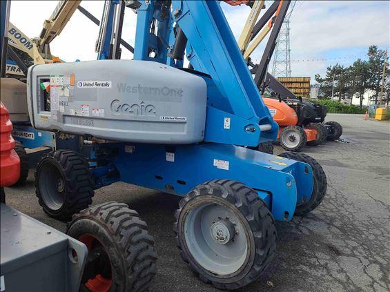 2012 Genie S-60 Boom Lift