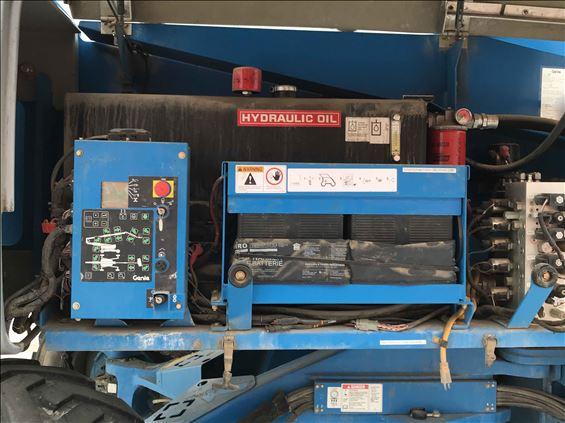 2012 Genie Z-135/70 Boom Lift