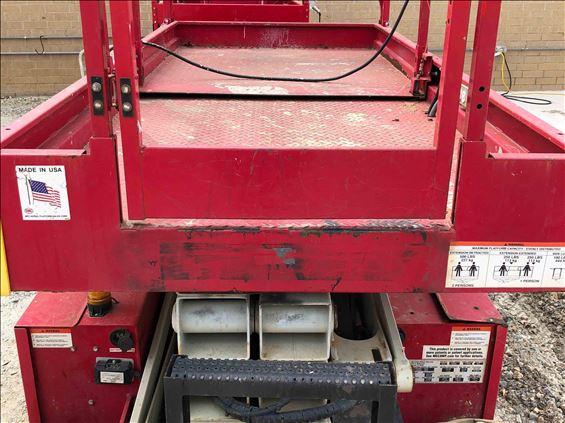 2015 MEC 3259 ERT Scissor Lift