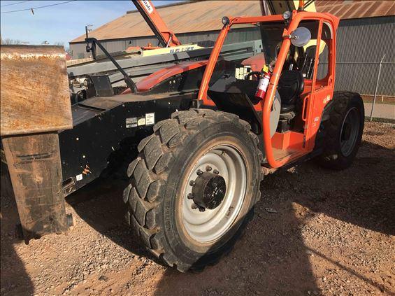 2016 JLG 1055 Reach Forklift