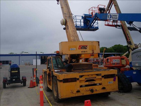 2011 Broderson IC-200-3G Crane