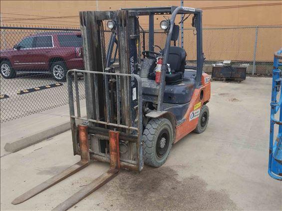 2014 Toyota 8FGU25 Warehouse Forklift