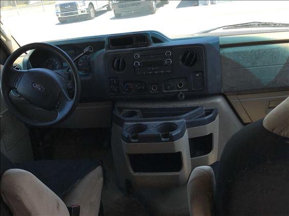 2012 Ford E-350 Truck