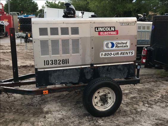 2015 Lincoln Electric VANTAGE 520 Welder