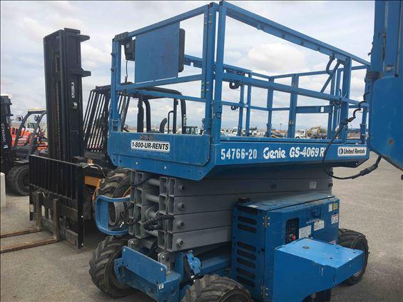 2012 Genie GS-4069 RT Scissor Lift