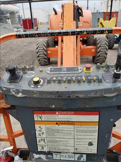 2011 JLG 600AJ Boom Lift