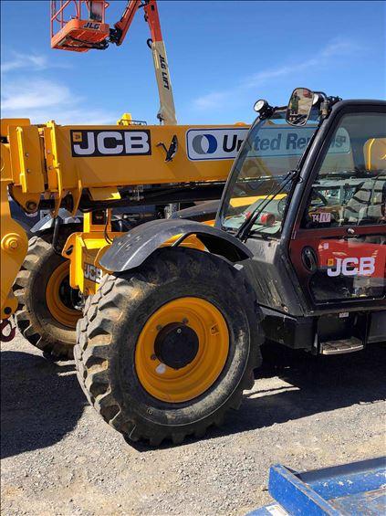 2017 JCB 509-42 Rough Terrain Forklift