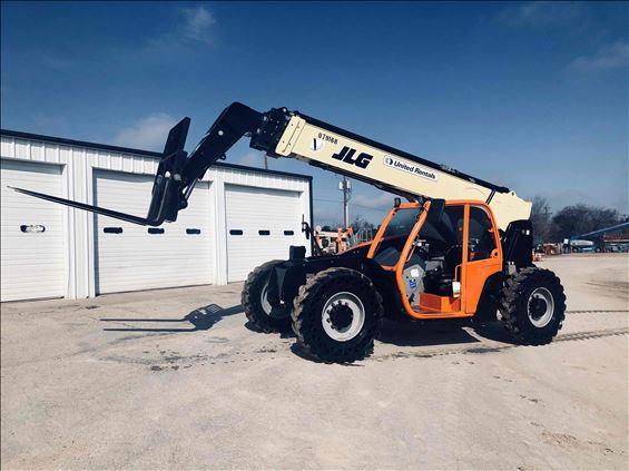 2017 JLG 943 Rough Terrain Forklift