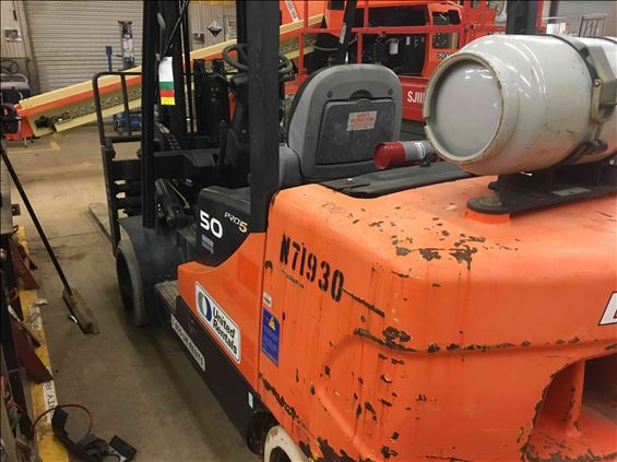 2011 Doosan GC50C5 Warehouse Forklift