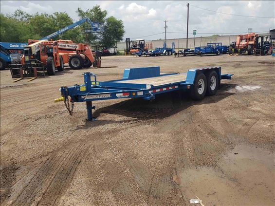 2016 Towmaster T-12DT Trailer