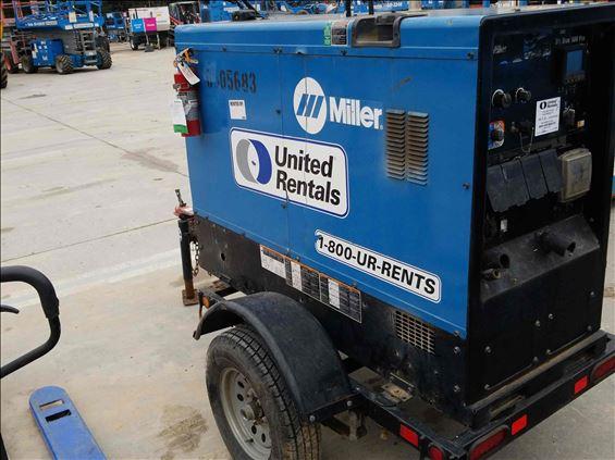 2017 Miller BIG BLUE 500PRO Welder