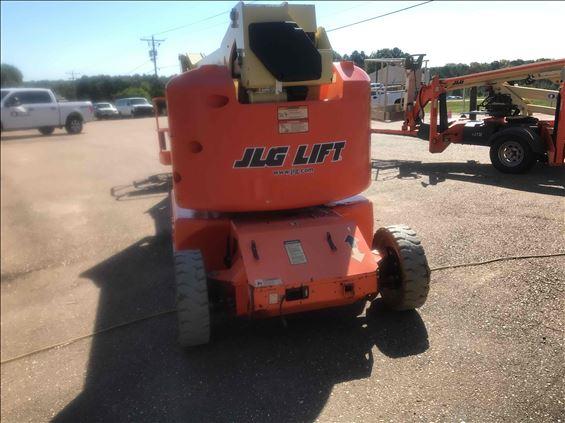 2012 JLG E400AJ Boom Lift