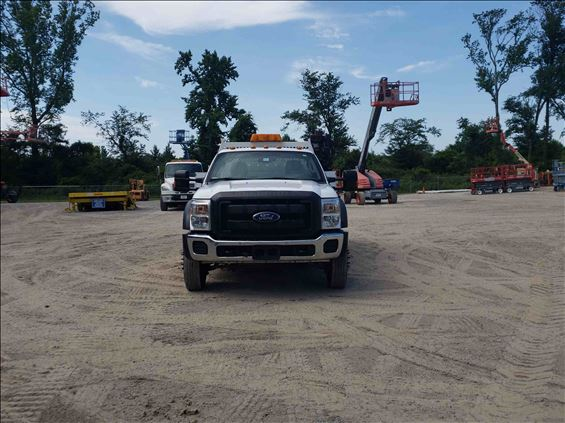 2014 Ford F550REGXLG4WD Truck
