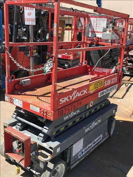 2015 Skyjack SJIII3215 Scissor Lift