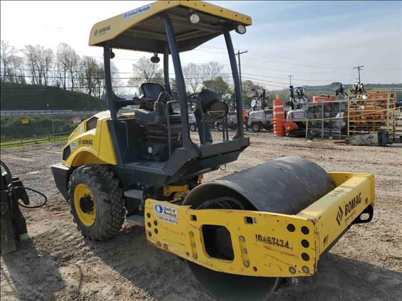 2016 BOMAG BW 145 D-5 Ride-On Roller