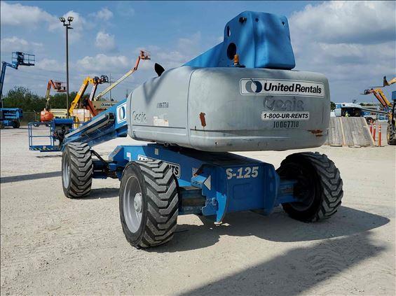 2012 Genie S-125 Boom Lift