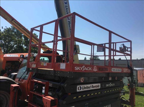 2015 Skyjack SJ7127RT Scissor Lift
