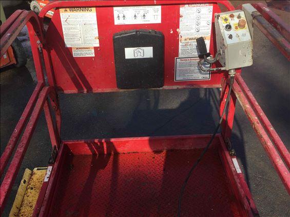 2012 MEC 3259 ERT Scissor Lift