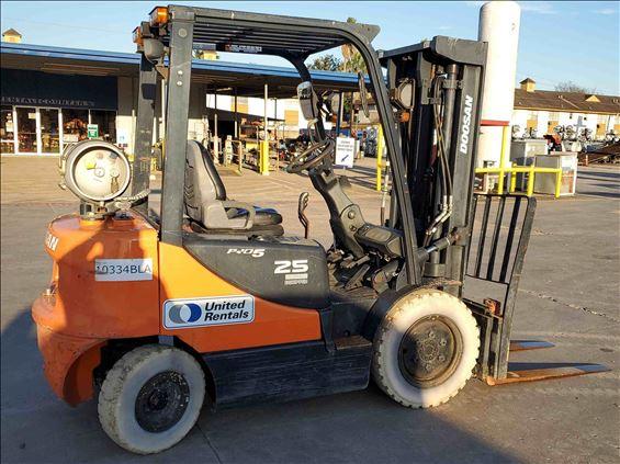 2014 Doosan G25E-5 Warehouse Forklift