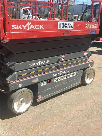 2015 Skyjack SJIII4632 Scissor Lift
