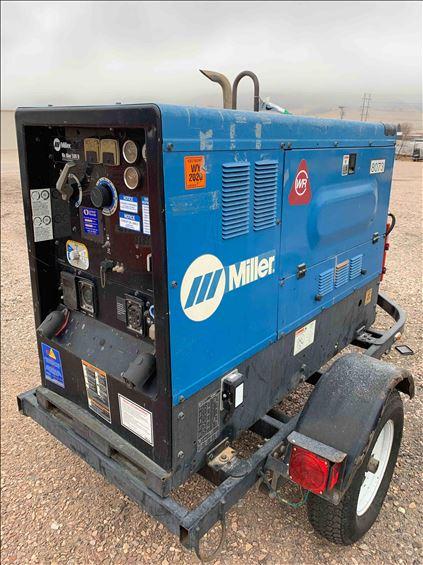 2014 Miller Welders Big Blue 500 Welder