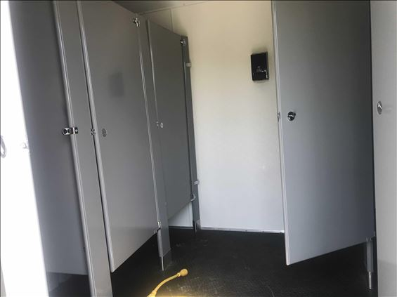2016 UNITED 15 ST CROWD Portable Toilet