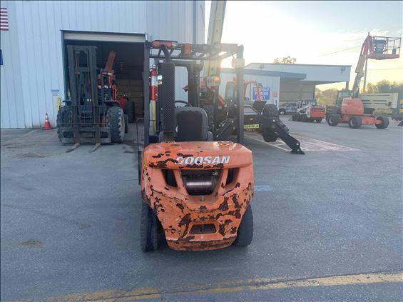 2015 Doosan D25S5 Warehouse Forklift