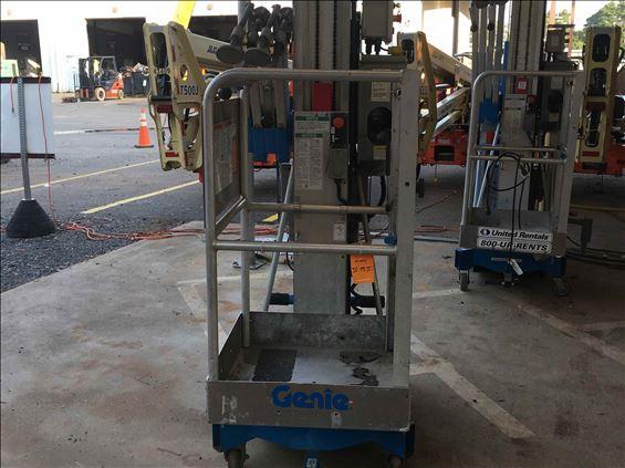 2015 Genie AWP-25SDC Pusharound Lift