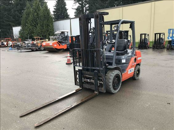 2014 Toyota 8FDU30 Warehouse Forklift