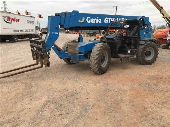 2014 Terex GTH-1056 Reach Forklift