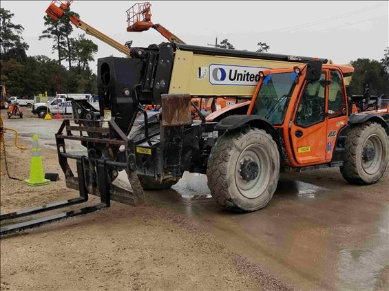 2017 JLG 1055 Rough Terrain Forklift