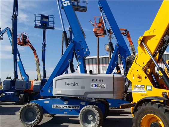 2014 Genie S-65 Boom Lift