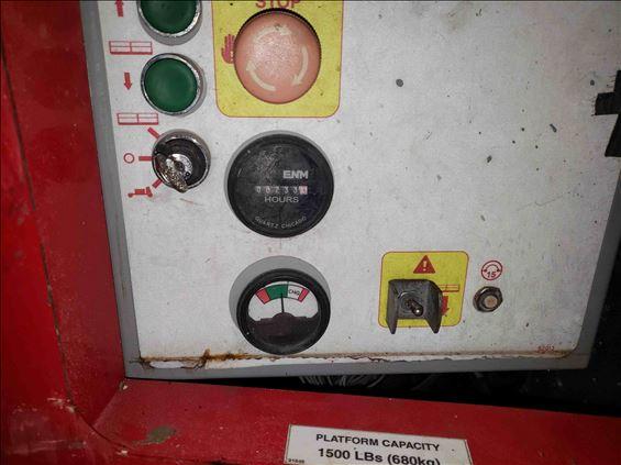 2013 MEC 3084ES Scissor Lift