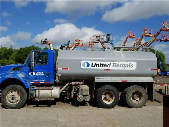 2015 INTERNAT'L 7400 WATER Water Truck