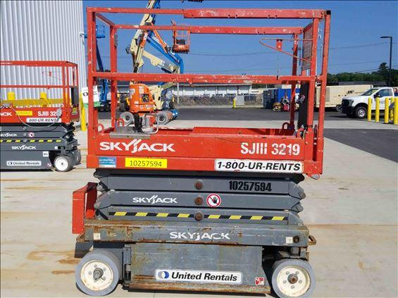 2014 Skyjack SJIII3219 Scissor Lift