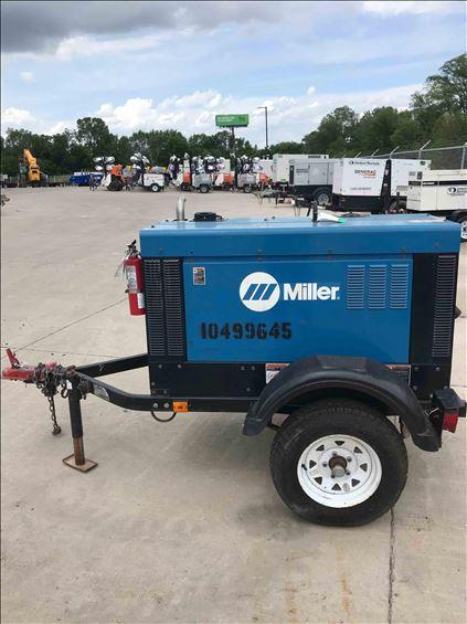 2016 Miller Welders Big Blue 300R Welder
