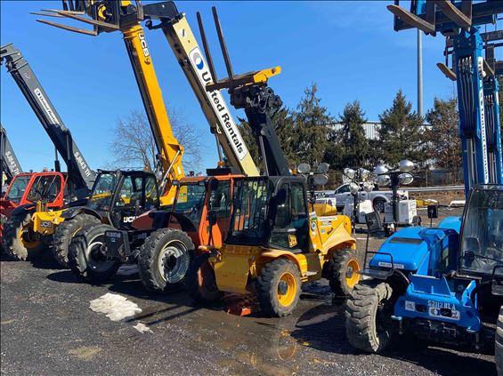 2014 JCB 520-50 Rough Terrain Forklift
