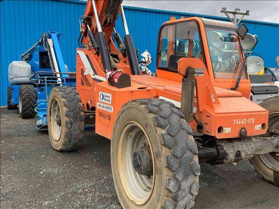 2013 Sky Trak 8042 Rough Terrain Forklift