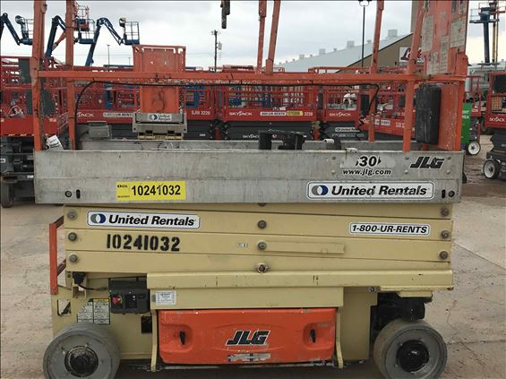 2014 JLG 2630ES Scissor Lift