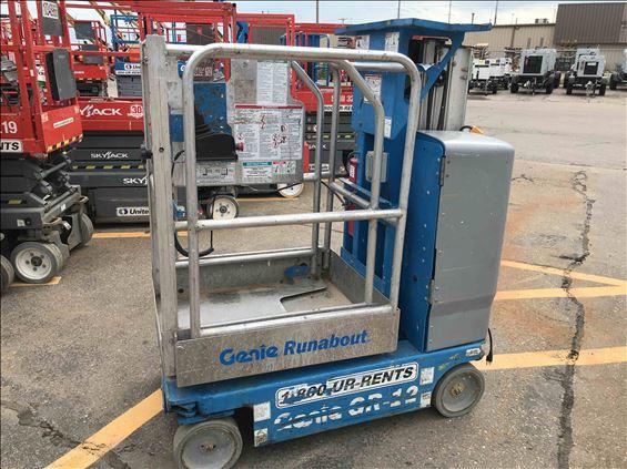 2011 Genie GR-12 Scissor Lift