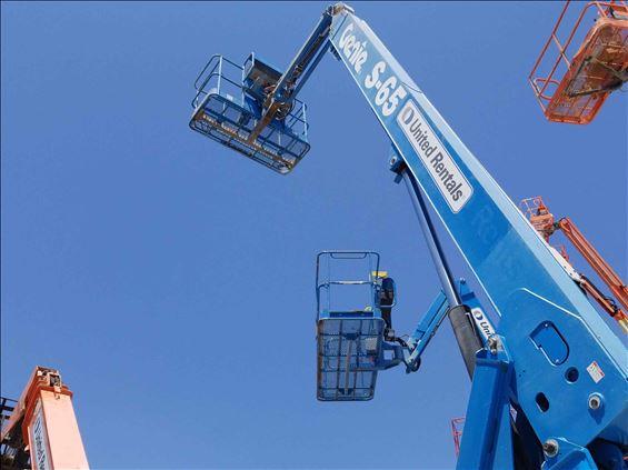2013 Genie S-65 Boom Lift