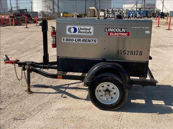 2016 Lincoln Electric Vantage 300 Welder