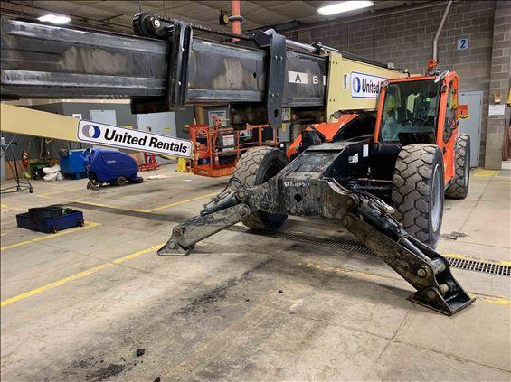 2015 JLG 1055 Rough Terrain Forklift